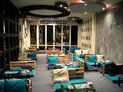 Thiết kế nội thất quán cafe hiện đại