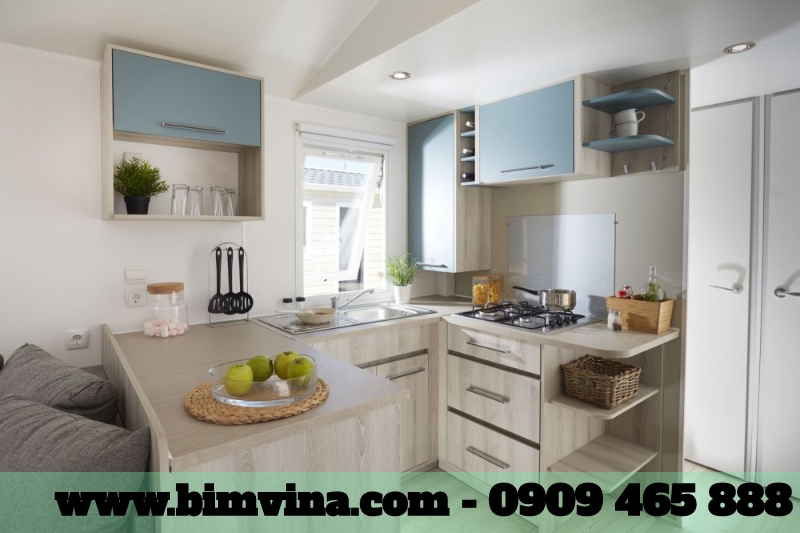 phòng bếp nhỏ gọn nhưng đầy đủ tiện ích